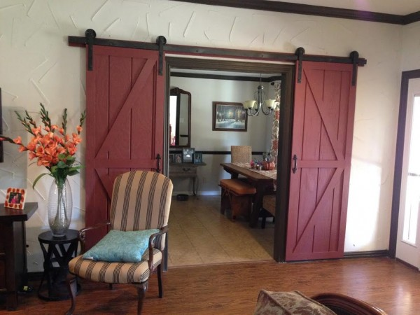 image credit https://www.wilkerdos.com/2013/06/diy-sliding-barn-door/